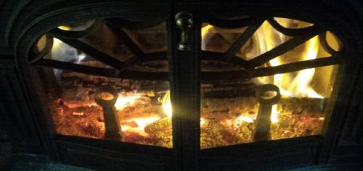 How to Clean Wood Burning Stove Glass Doors without Chemicals